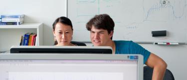 Arbeitsgruppe am Computer BioQuant