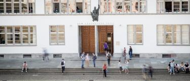 Eingang Neue Universität
