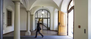 Eingangsbereich der Universitätsverwaltung