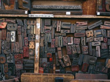 Symbolbild Presse und Medien - Holzlettern